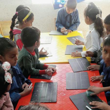 Alphabetisierungs-Projekte für Flüchtlingskinder in Jordanien