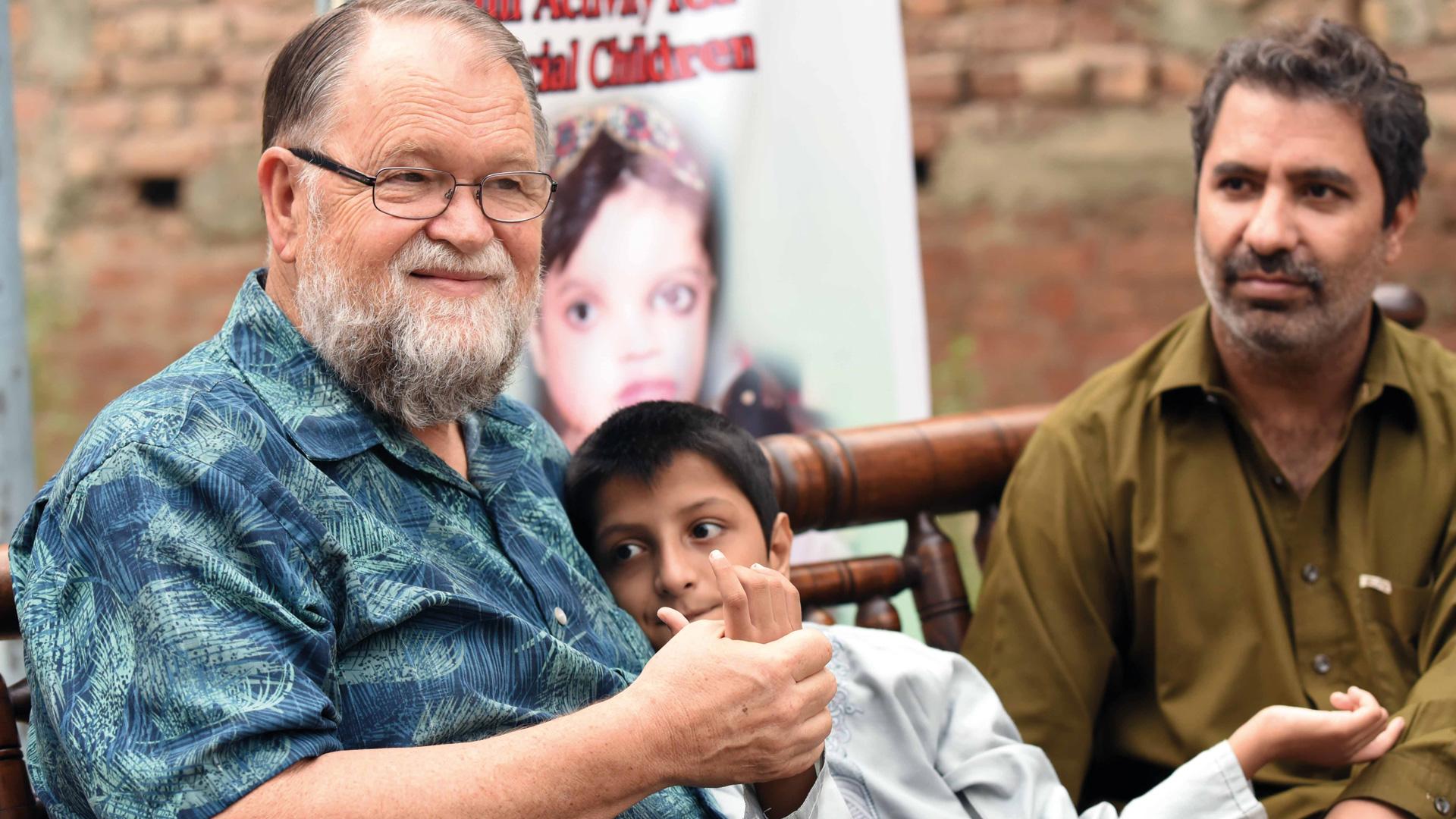 Frieden in Pakistan fördern, Unterstützung der Familien von behinderten Kindern