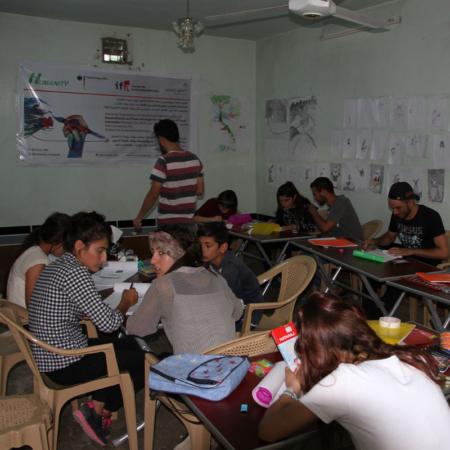 Kreativität in Jugendlichen im Irak reaktivieren. Gruppenarbeit