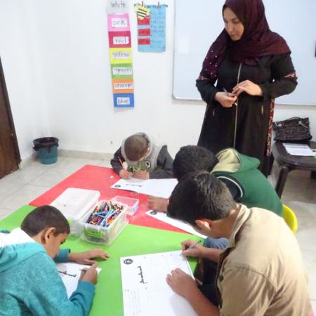 Schreiben üben in der Schule: Bildung ist die Basis. Jordanien