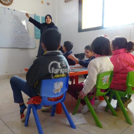 Jordanien: Kinder lernen in der Schule