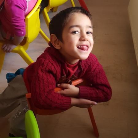 Geflüchteten Kindern mit Behinderung in der Türkei helfen
