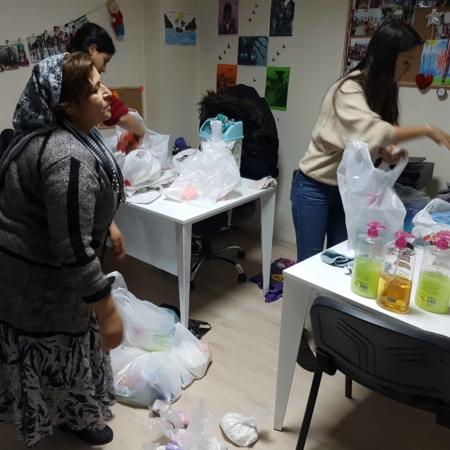 Türkei: Geflüchtete Frauen oft noch unterversorgt mit Hygieneartikeln bei der Menstruation.