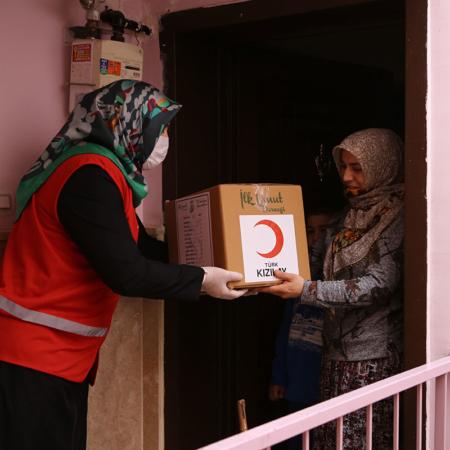 Corona Hilfe Türkei - Verteilung Hygienepakete an bedürftige Familien