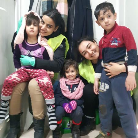 Corona Hilfe Türkei - Unsere Mitarbeiter kümmern sich liebevoll um bedürftige Familien