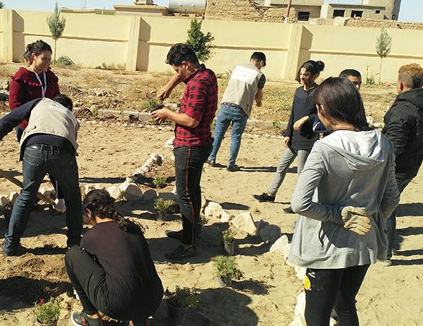 Friedensprojekte im Irak - Jugendliche schaffen etwas gemeinsam