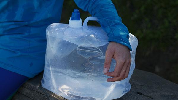 Wandern für Wasser - Wasserkanister